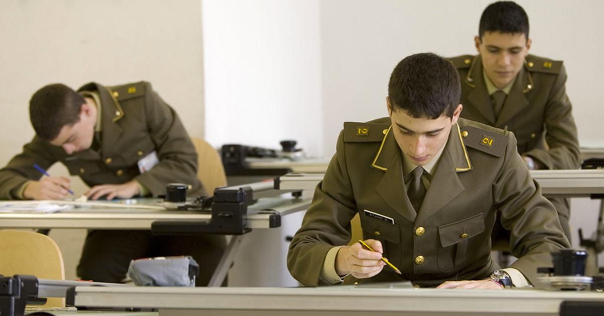 Concorso esercito italiano bando per tenenti da inserire for Concorsi parlamento italiano 2017